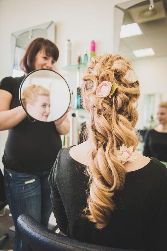 Lepa poročna frizura